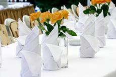 Tisch mit Servietten